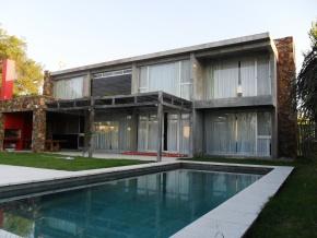 Casa en alquiler permanente  frente al rio, Colonia del Sacramento, Uruguay