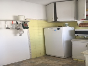 Opportunity in downtown of Colonia. Spacious apartment in high category building.