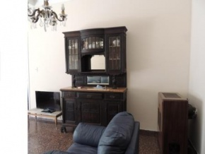 Great house for sale in Downtown Nueva Helvecia, 90 yards away from Plaza de los Fundadores