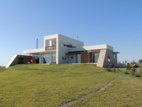 9.4 acres farm for sale with an excellent house in Ecilda Paullier, San Jose