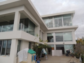 House for sale in Colonia, 3 floor, unbeatable river and yacht harbor views